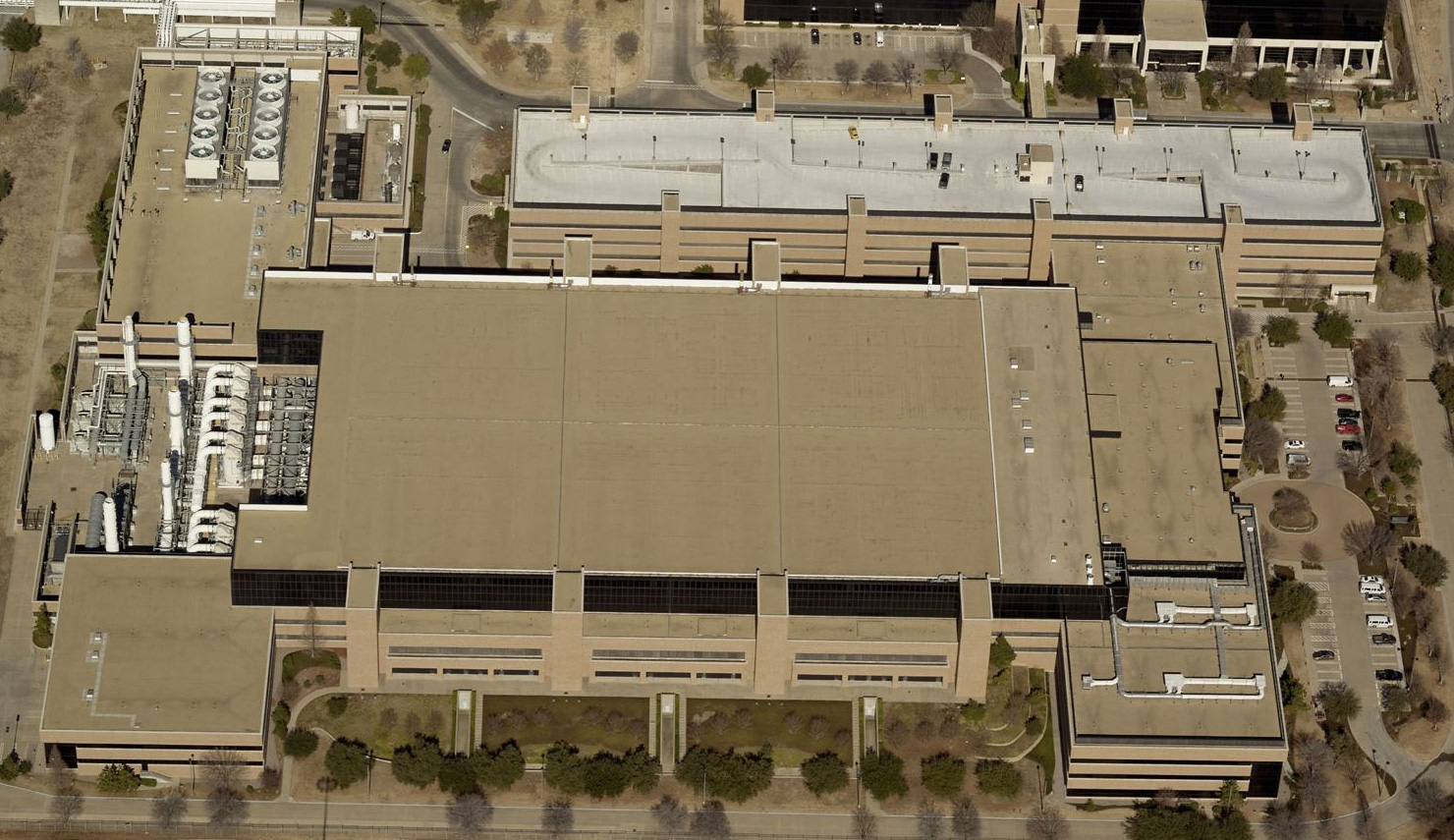 Aerial view of Texas Instruemnts DMOS 6 building.